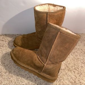 Bearpaw chestnut tan short fur lined women's boots
